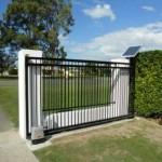 Cancello con armatura incorporata