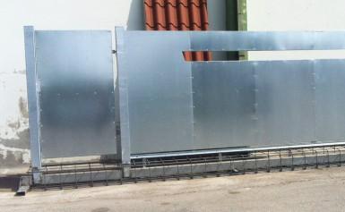 Prototipo Cancello con Armatura in Acciaio Incorporata